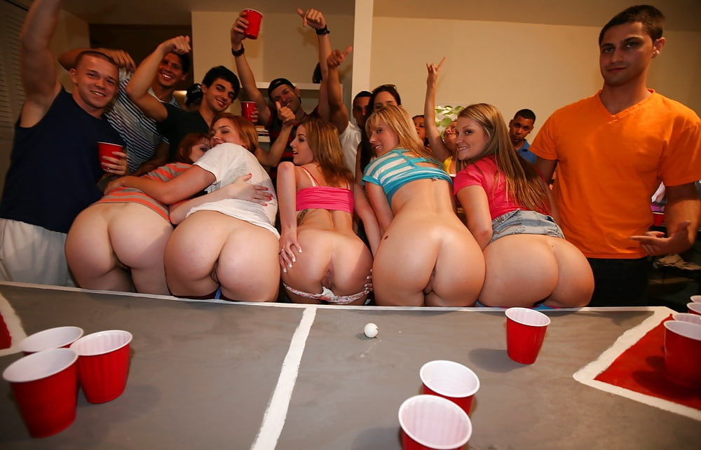Sexy ass naked college girls