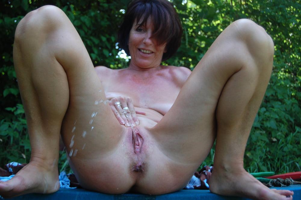 Pissing in nylon milf peeing images porn pics sex photos
