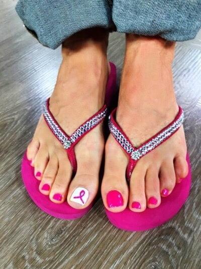 Pretty black girls feet
