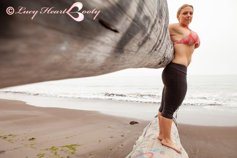 Kristina Love XXX - 19 Pics