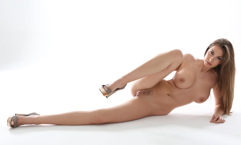 Alana De La Garza Nude Celebrities