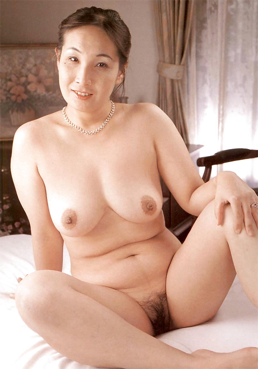 Big natural tits oil massage sex