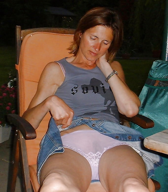 aunties without dress hot photos