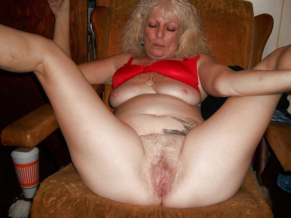 Nude granny wet pussy