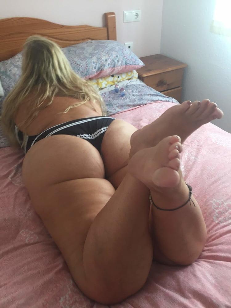 Sexy blond mature milf swim suit album - 11 Pics