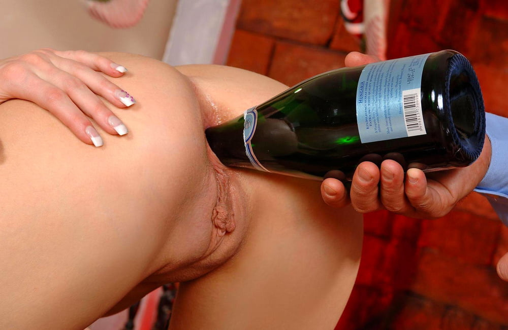 Wine bottle with naked girl — pic 13