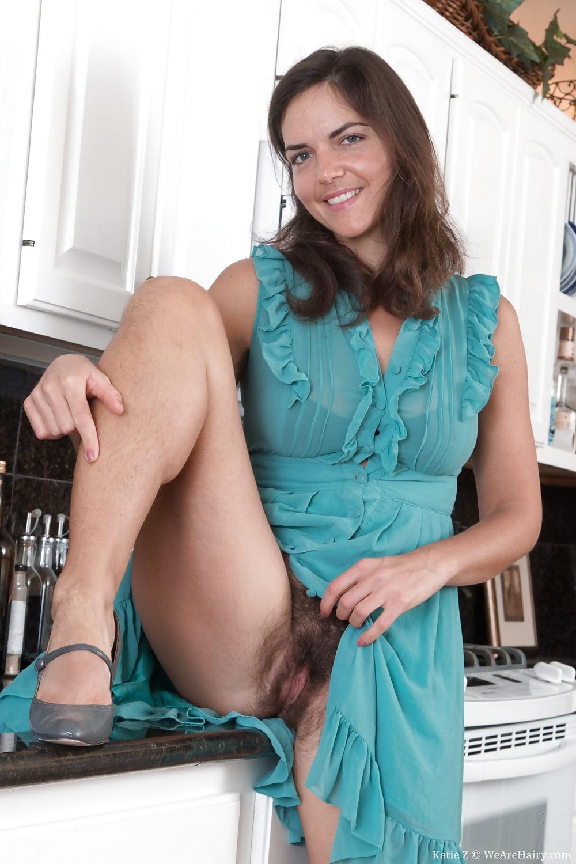 Hairy girl upskirt nude, porno stars immagini
