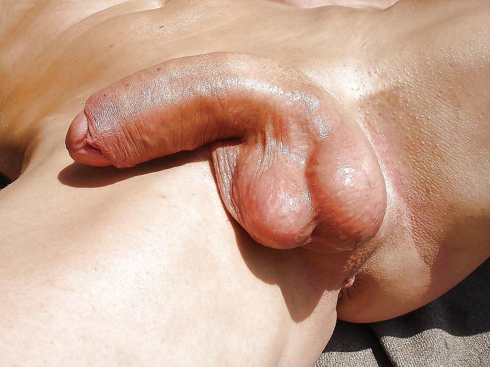 Hungarian Hunk Jerking Off His Very Thick Uncut Cock Fuckable Men