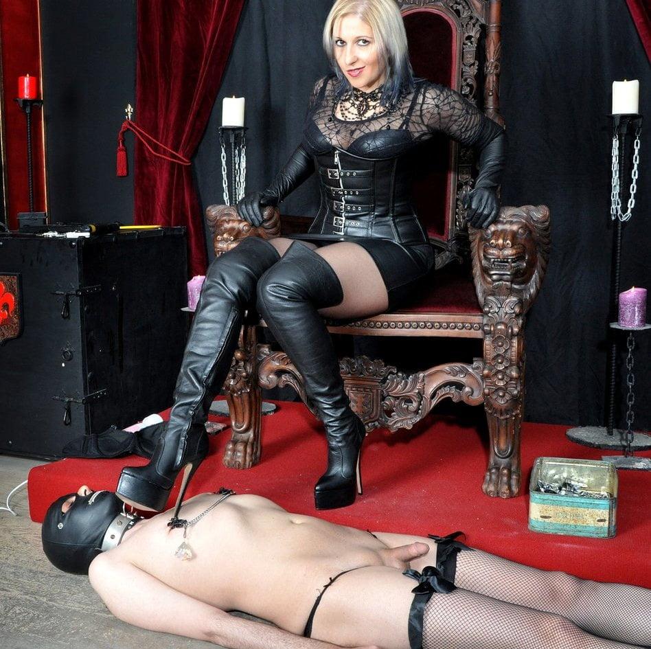 Female Domination Porn Pics
