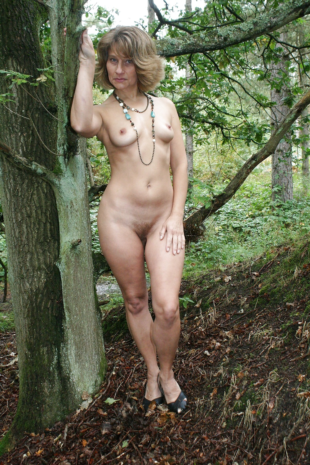 Her social pictures of mature trees anal