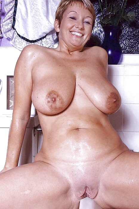 Naked Mature Women With Big Tits