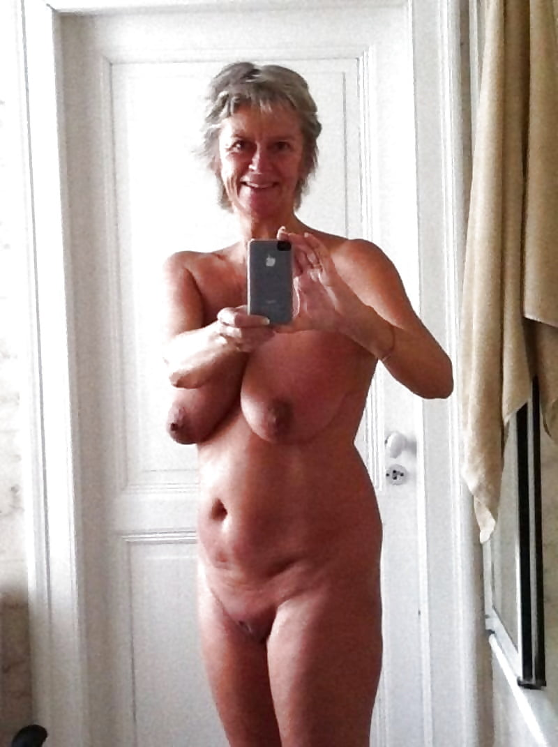 Naked granny girls selfies