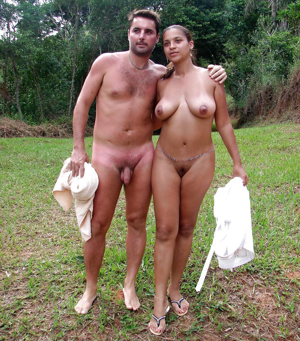 порно девки отдыхают а парни ходят голые медленно