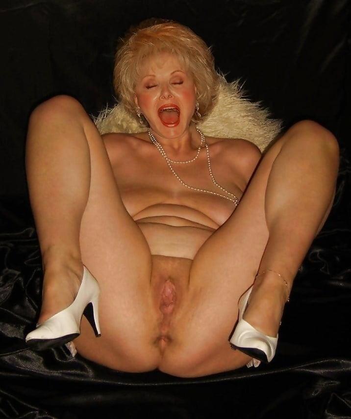 Sexy grandma models