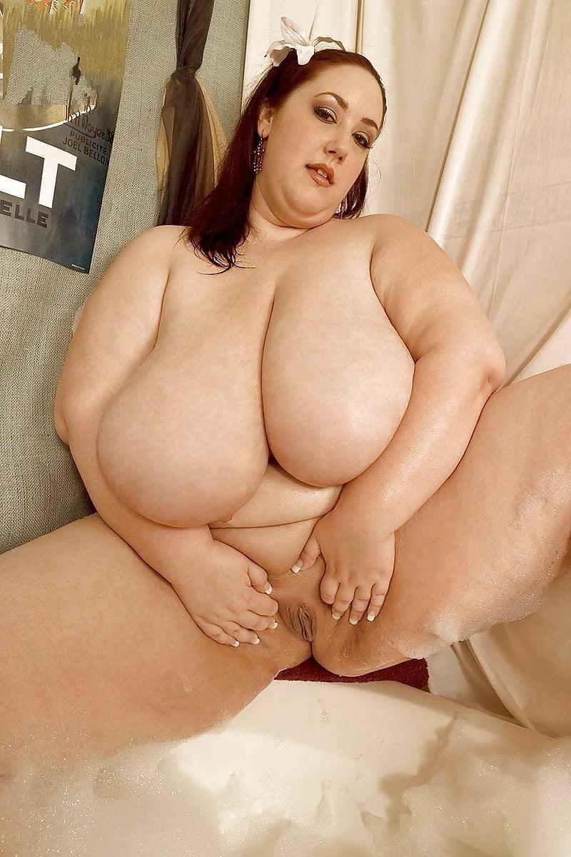 monique-bbw-nude