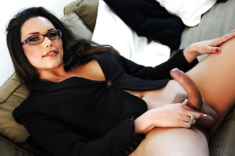 Транссексуалки в очках порно, рианна раймс порно