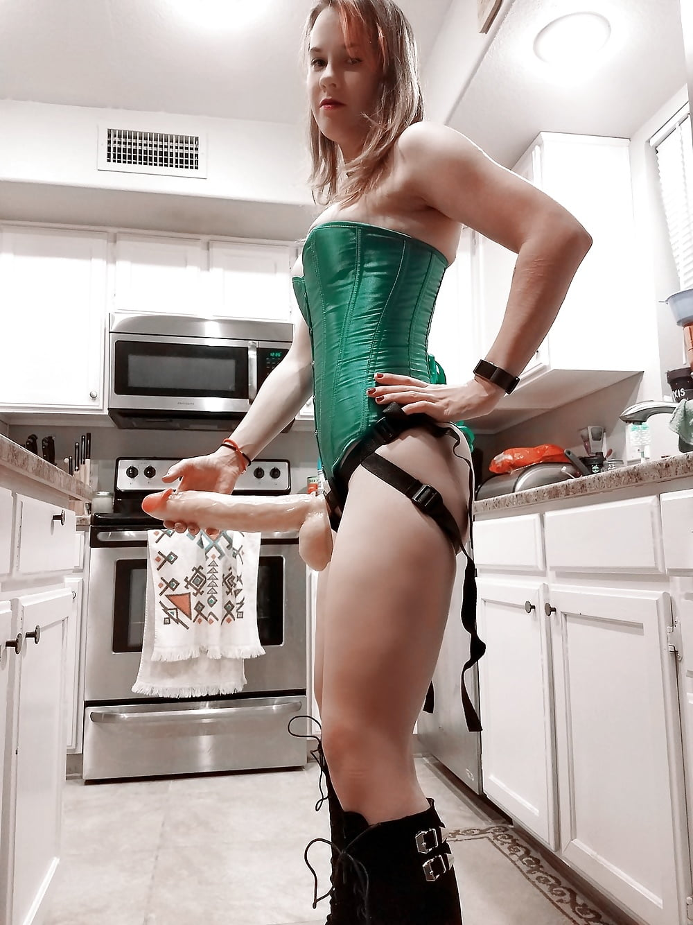 Women wearing strapon, anal big butt plug