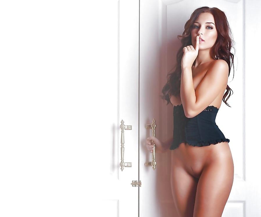 Hot naked brunette babes