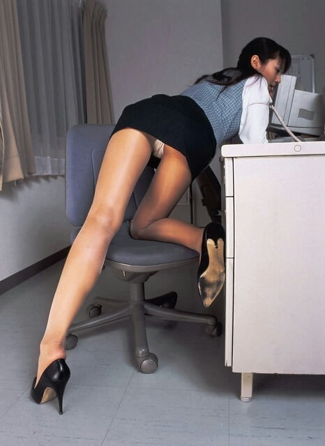 Polish mature upskirt secretary desk kapoor porntube very