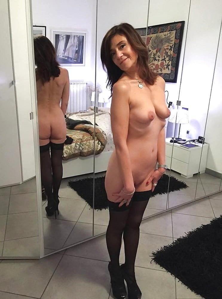 Mature Ladies 2808 - 23 Pics