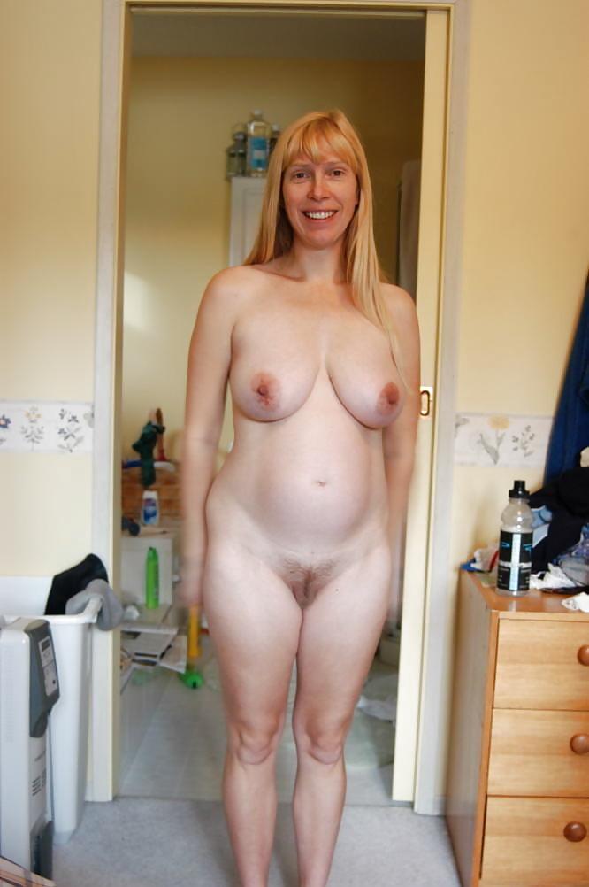 women-naked-moms-nude-scenes-in-hostel
