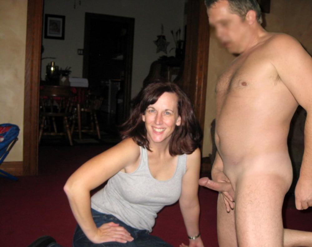 Муж голый жена одетая порно видео русское