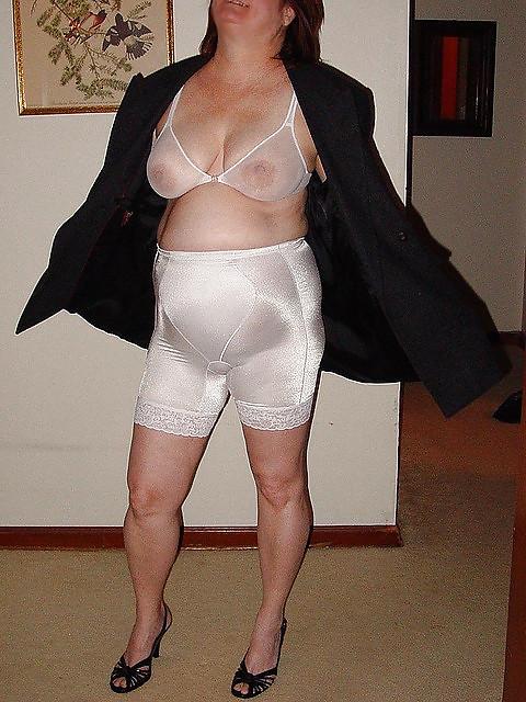 bra-girdle-pantyhose-porn-thumbs-tights-naturals