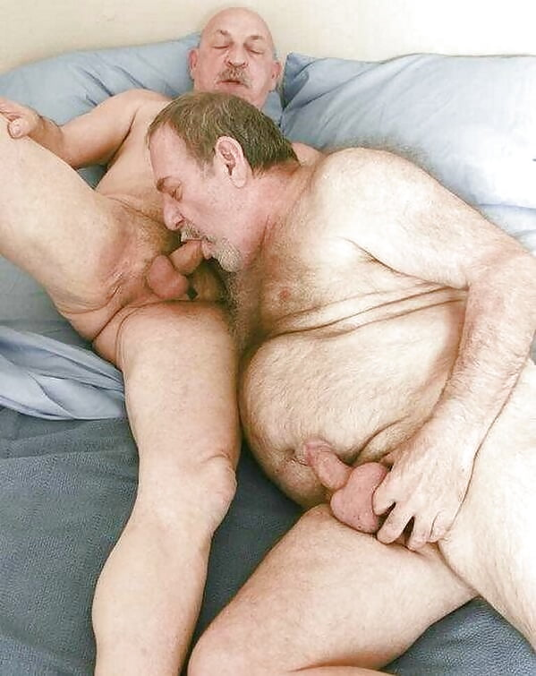 Mature Gay Male Pics