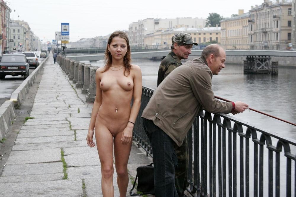 Зарубежную порнуху порно фильм на улице питера