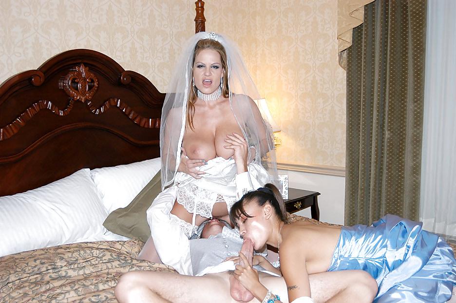 pyanie-nevesti-v-brachnuyu-noch-porno-porno-narezki-orgazmi-zhenshin