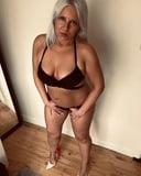 Hot amateur mature makes selfies in underwear