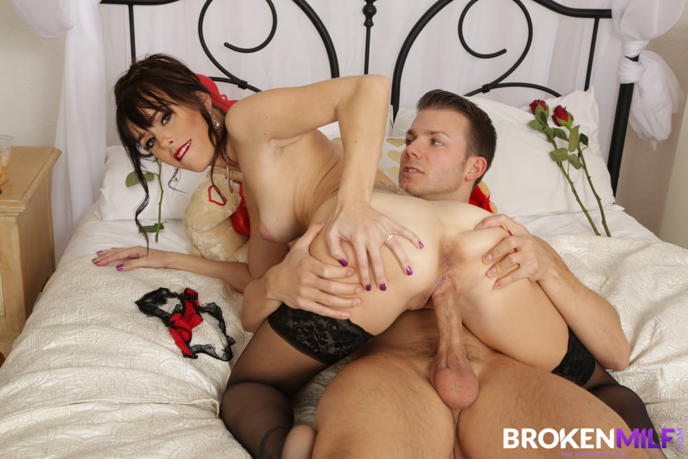Alana Cruise Valentine's day Saved By Big Dicked Stepson - 62 Pics