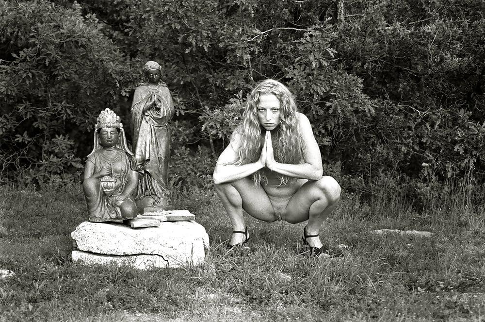 Nude rites — img 1