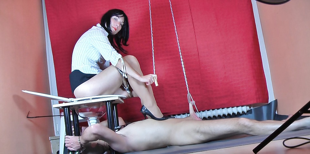 Club dom caning clips