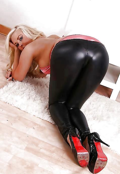 порно девушка в кожаных леггинсах этой страничке