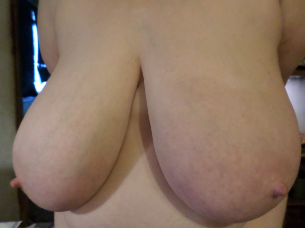Natural boobs threesome-3015