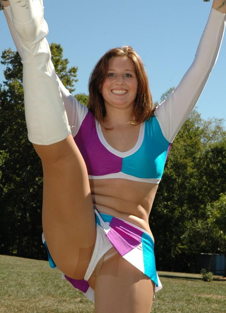 Cheerleader teen upskirt
