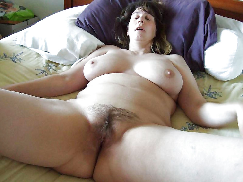 Free outdoor mature pictures