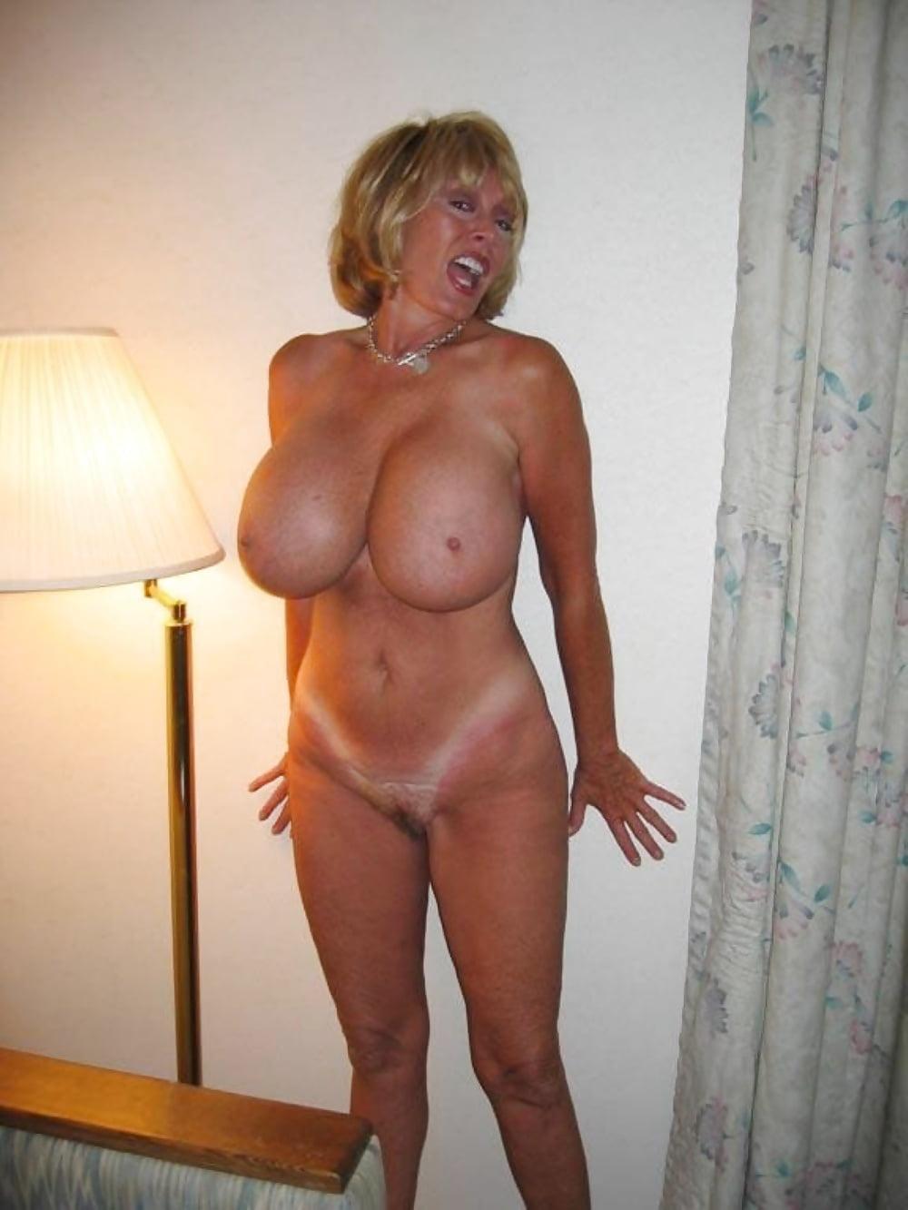 Фото голых зрелых сисекевич