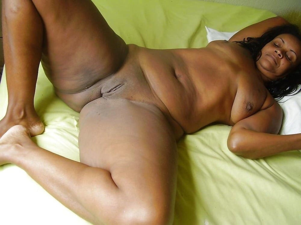amateur-naked-black-moms