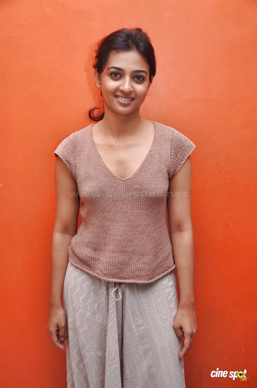 Radhika apte nangi