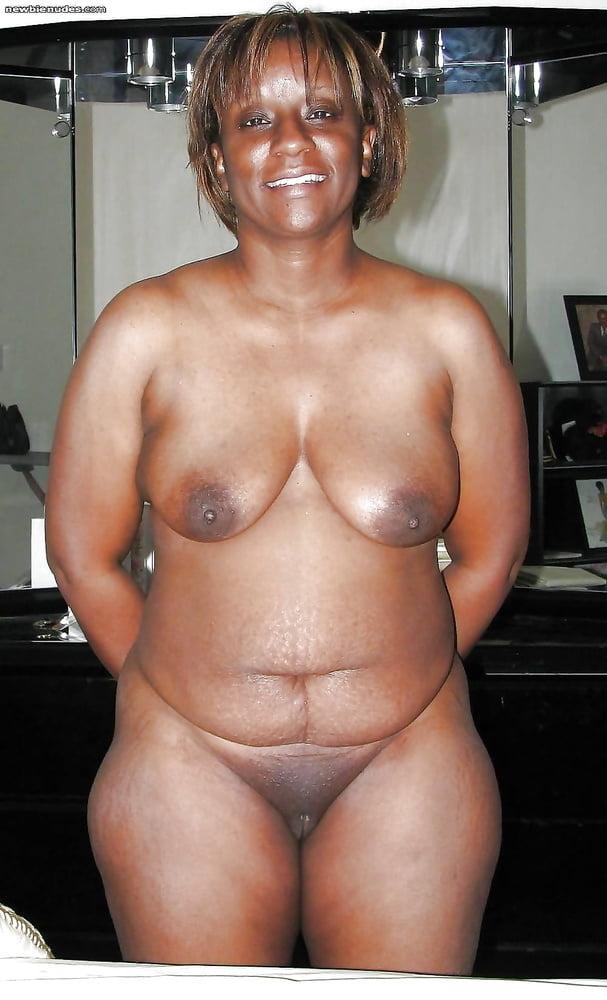 sexy-naked-black-grannys-nude-hot-tub-blowjob