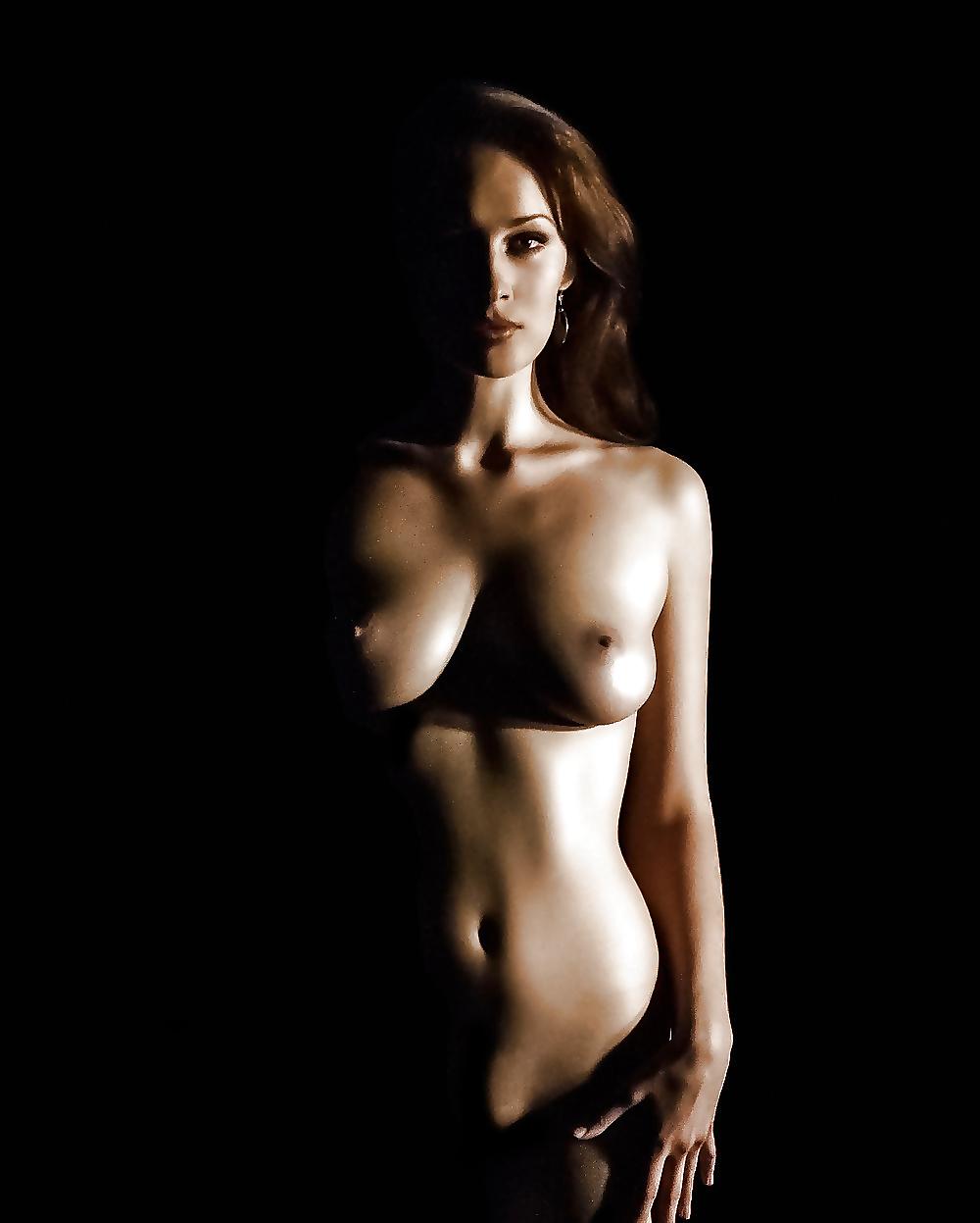 Неглиже онлайн обнаженные девушки студийные фото мужик ебет