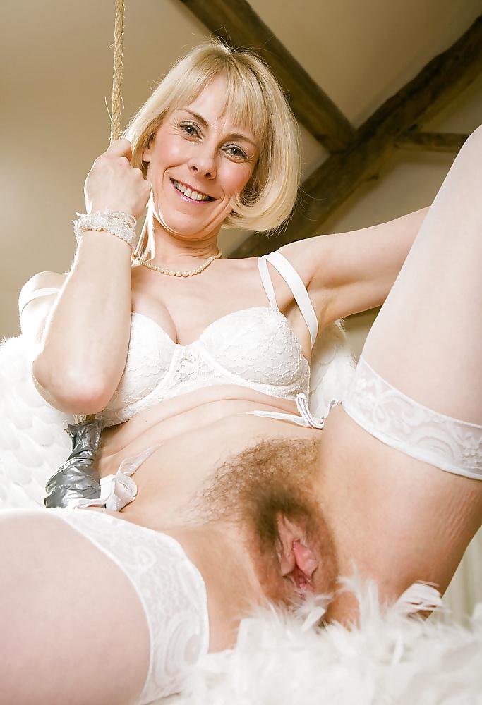 Mature english women nude