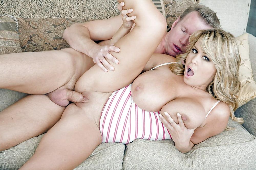 Смотреть порно молодые бляди с большими сиськами, молодые голые русские девушки дома фото