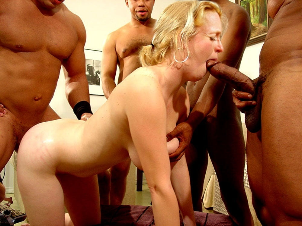 Barh Gangbangs Gambar Swinging Amateur Milfs Enjoy Fucking Awesome 1