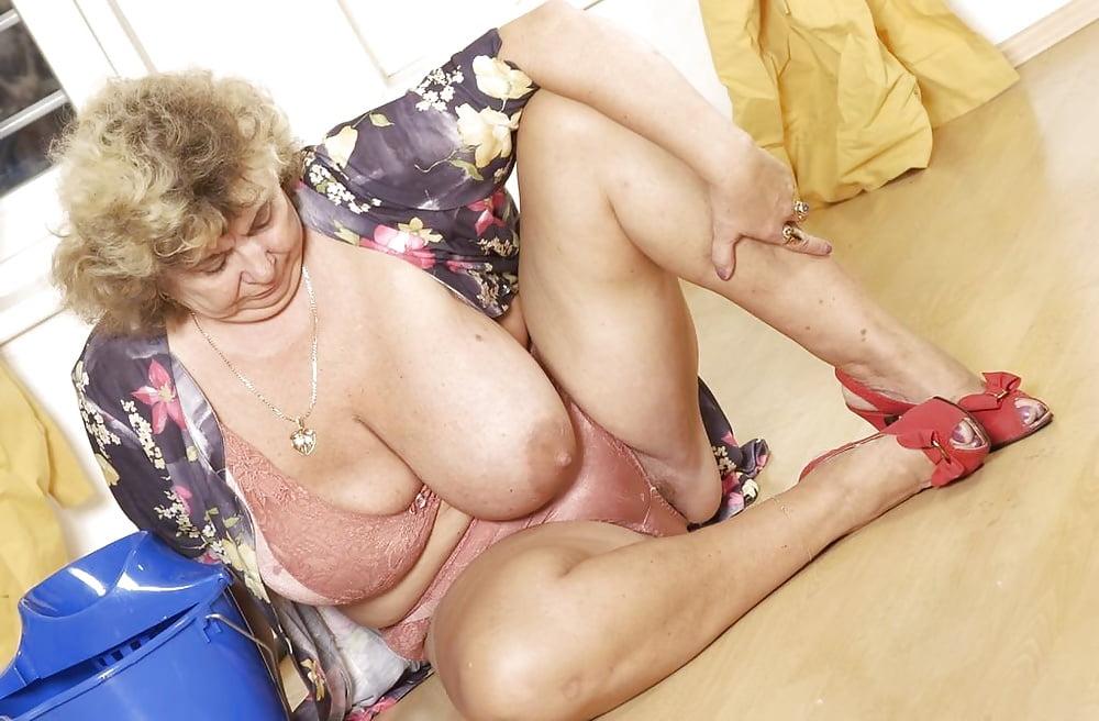 Порно больших сисек пожилых женщин #12