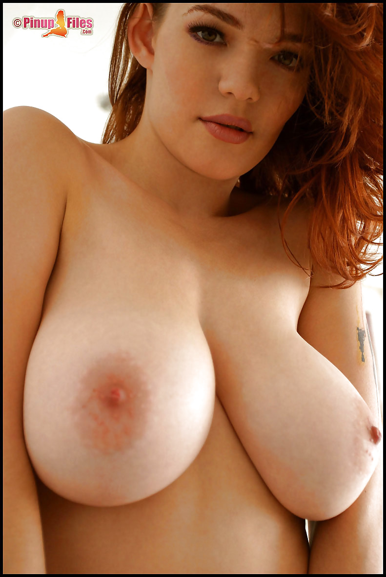 amazing curvy girl nude
