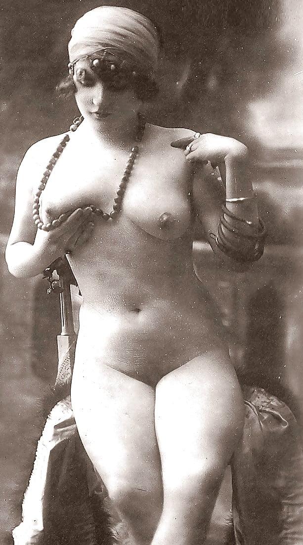 дореволюционные черно-белые старинные эротические фото - 12