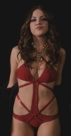 gillies a bikini in Elizabeth